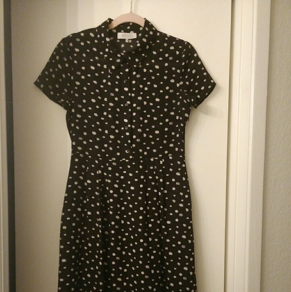 Wayf Dresses & Skirts - Black button up dress size small and has pockets